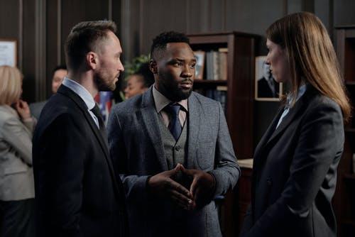 attorneys discussing case