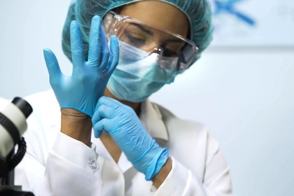 How to Reduce Cross-Contamination in a Lab