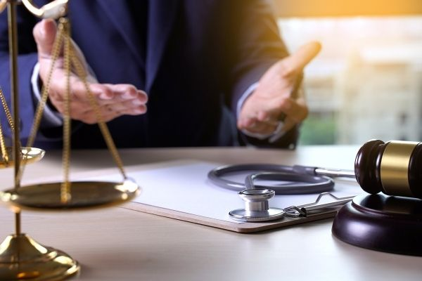 Who Is Involved in a Malpractice Suit